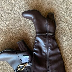 Shoes - MUST HAVE 5w brown calf length boots w/gold buckel
